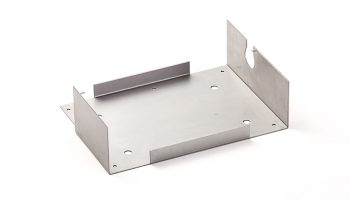 タレパンでブランク・曲げ加工した鉄製産業機械用板金